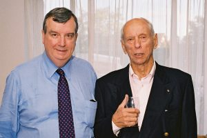 Nigel Gray visiting Peter Boyle at his home during the 2014 National Cancer Institute Directors meeting.